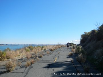 no though traffic section-Carquinez Scenic
