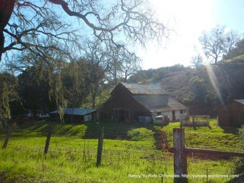 old barn & ranch-Willow Creek