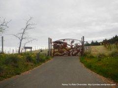 gorgeous gate-Wing Canyon vineyard
