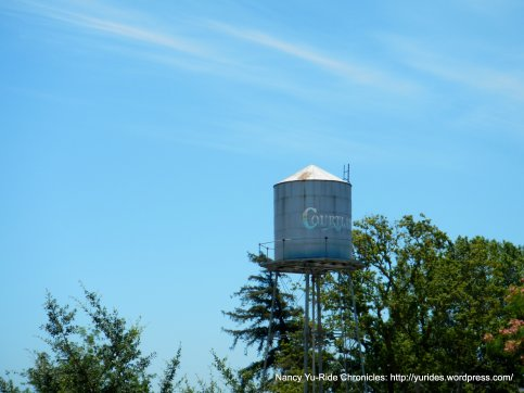 Courtland water tower