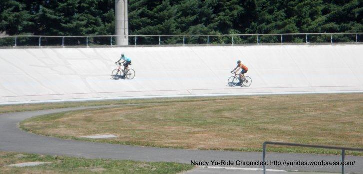 going round and round-velodrome