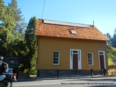 Ol dYellow House-Moraga Way