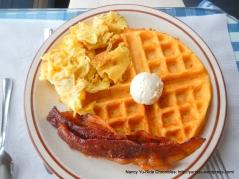bacon, eggs & waffle