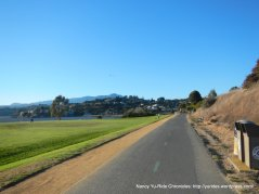 Tiburon Linear Park trail
