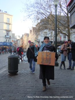 carrying rooster bowls
