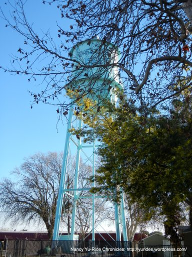 Isleton water tower