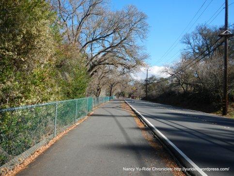 Multi-use path along Diablo Rd
