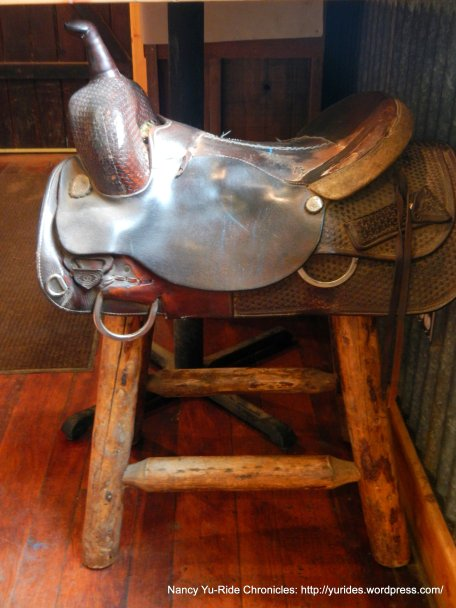saddle stool