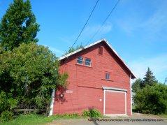 red barnhouse