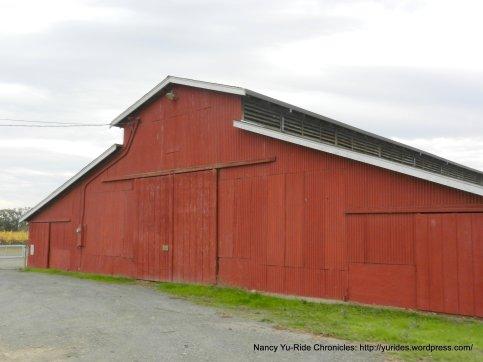 silverado trai red barn
