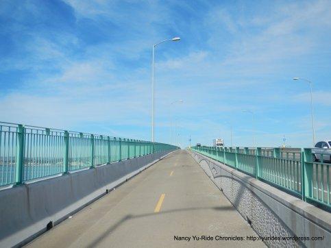 benicia-martinez bridge trail