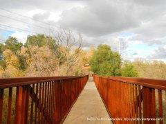 hidden lakes park trail