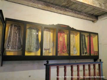vestments