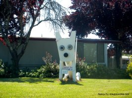 sculptures-geyserville trail