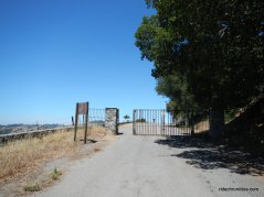 climb to mulholland ridge