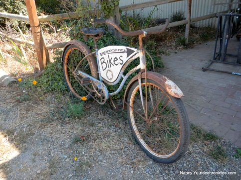 black mtn bike