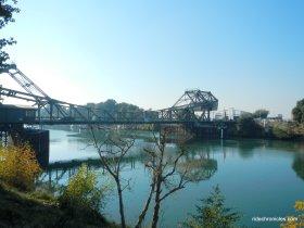 walnu grove bridge